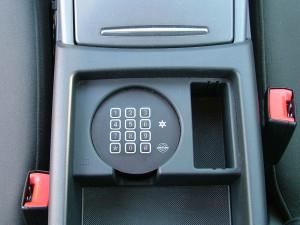 Altrack gépjárművédelmi rendszer PIN kódos tasztatúra